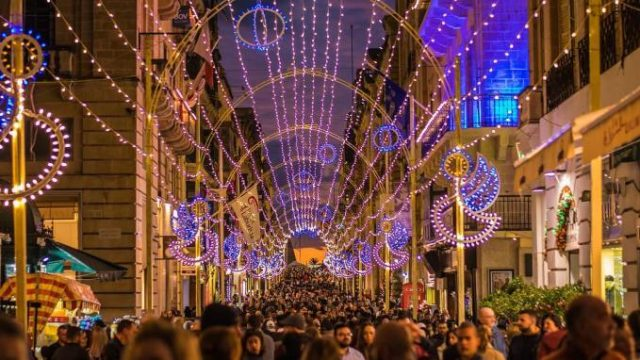 This is what you can do in Christmas Time in Malta including Luzzu Lotto! 2